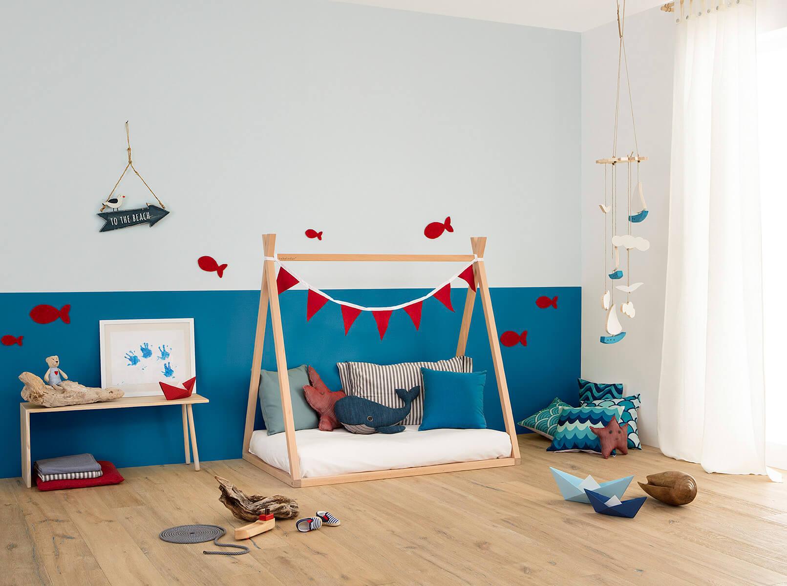 letto basso per bambini in legno naturale